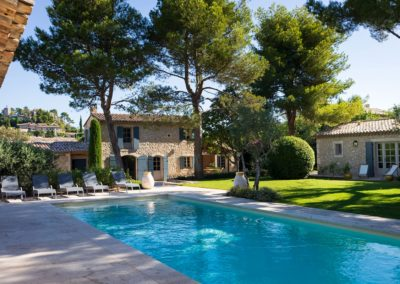 alpilles maison location saisonniere mas eygalieres avec piscine 13810
